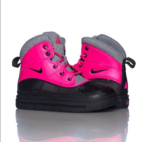 nike acg boots pink and black Shop